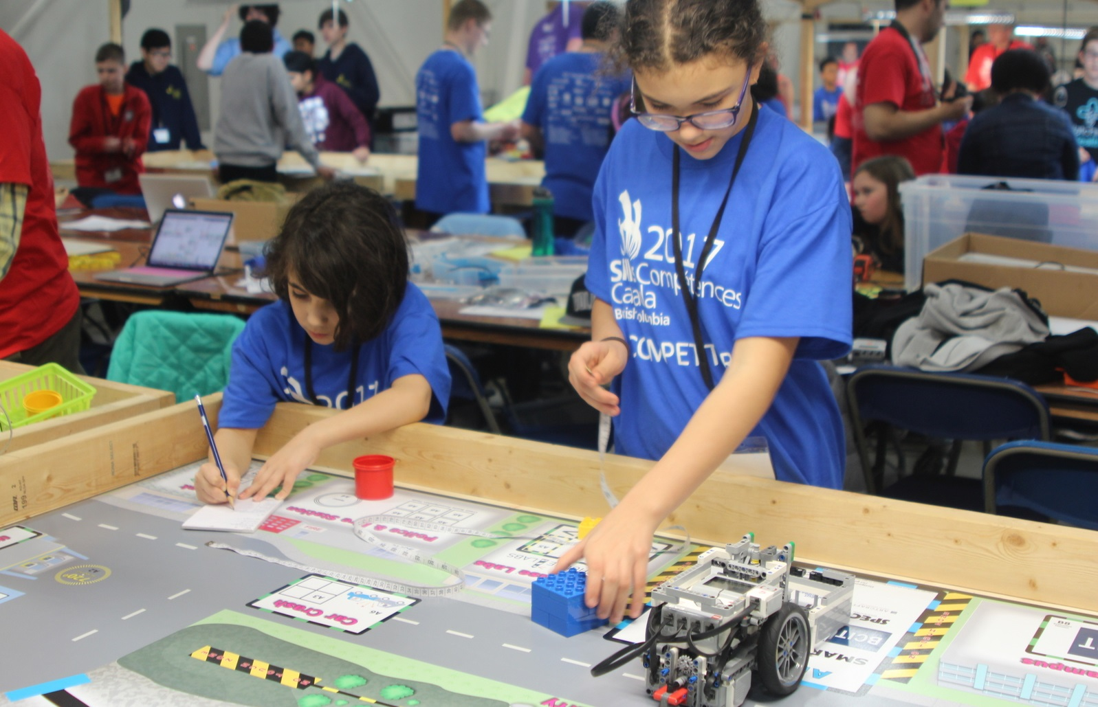 Students at Gearbots Coding Challenge Competition
